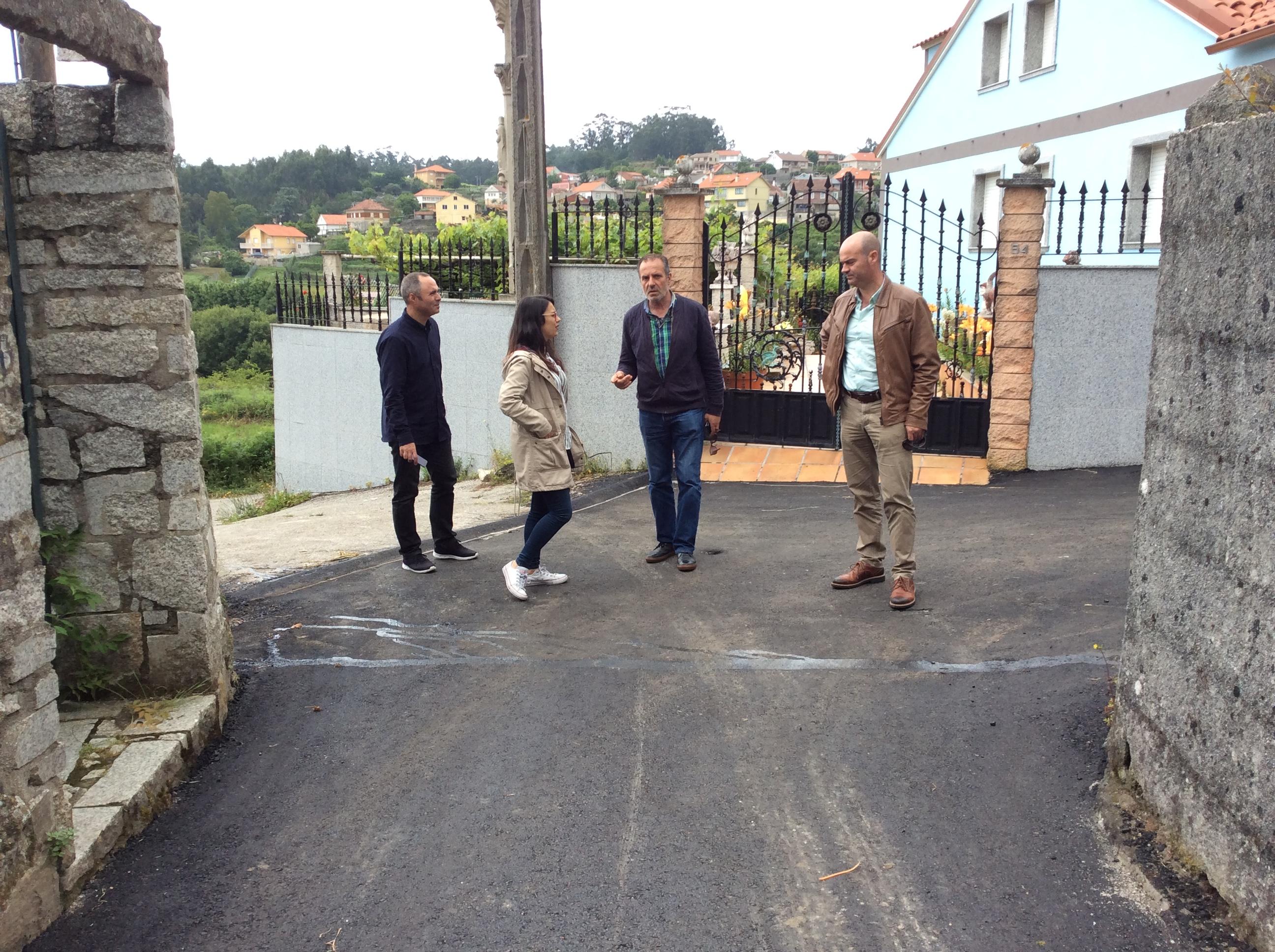 Visita ás obras de pavimentación do Camiño de Vilar