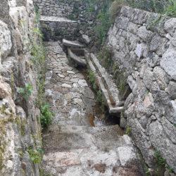 Fonte-Lavadoiro-de-Lagomansiño